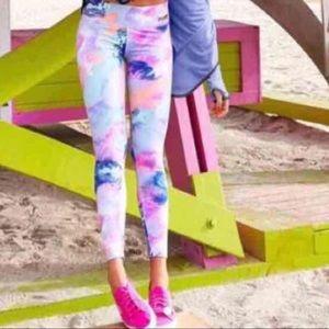 NWOT Victoria's Secret ultimate marble leggings